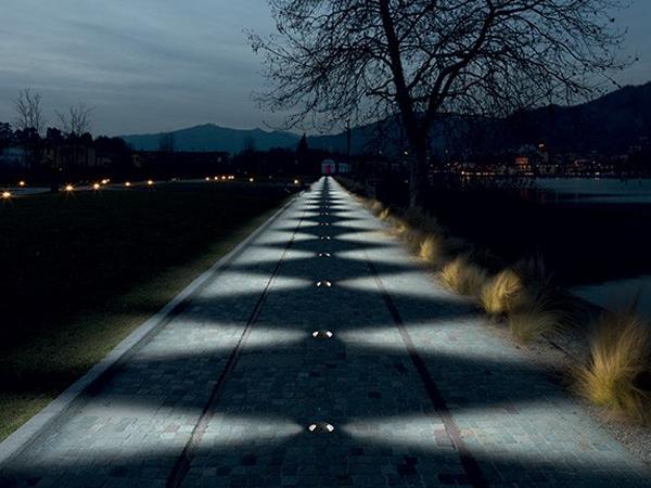 Illuminazione vialetto giardino protezioneazienda
